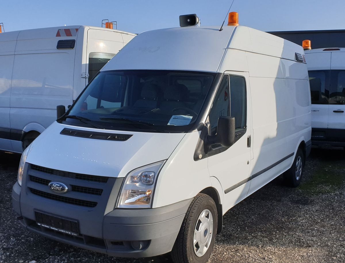 Ford Transit mit Regal